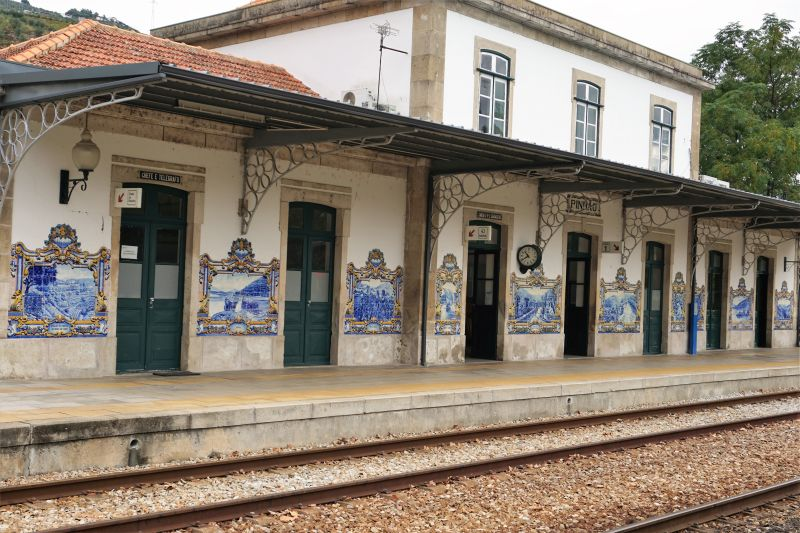 Pinhão station: decorated with many azulejos.